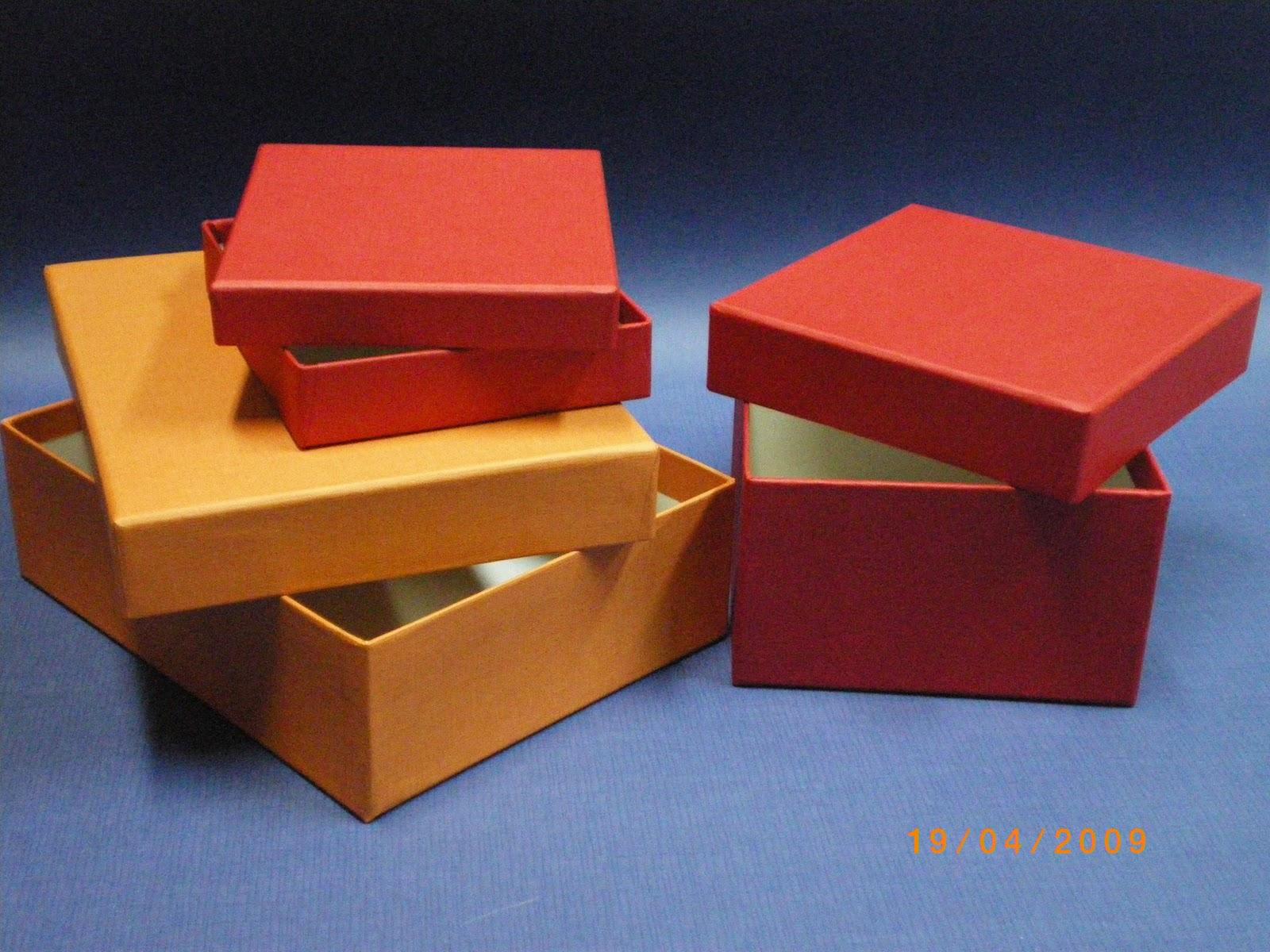Cajas de cart n a medida cajas de regalo de tienda for Cajas de regalo de carton
