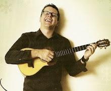 HENRY LINÁREZ, presenta: NAVIDAD EN 4 CUERDAS