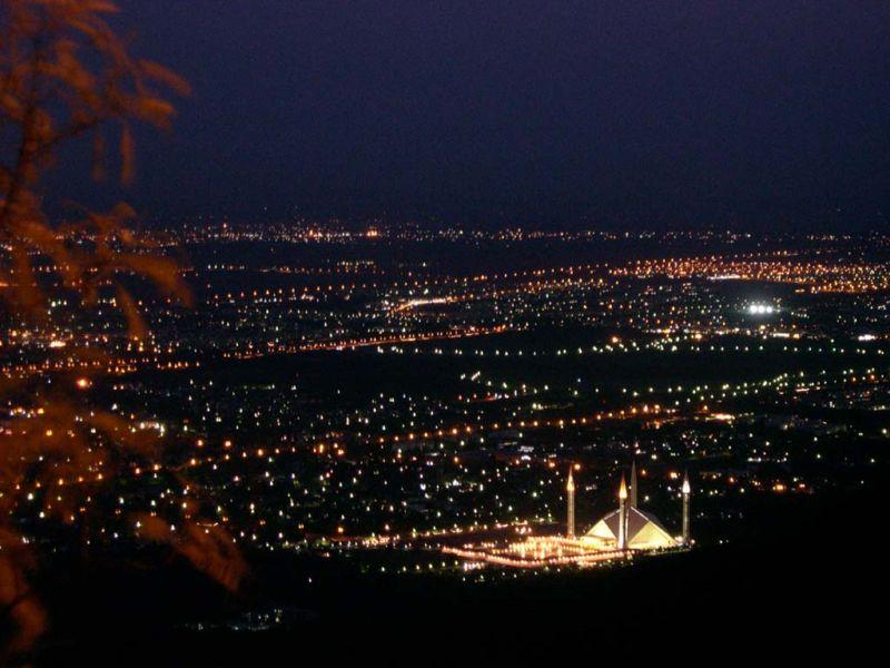 [800px-Islamabad_night.jpg]