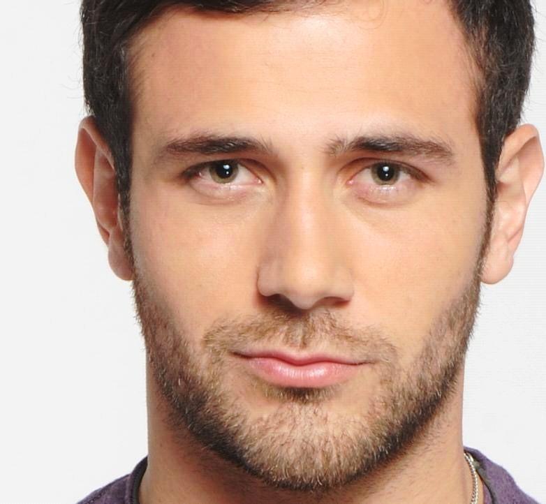 Carlos Ferro Actor