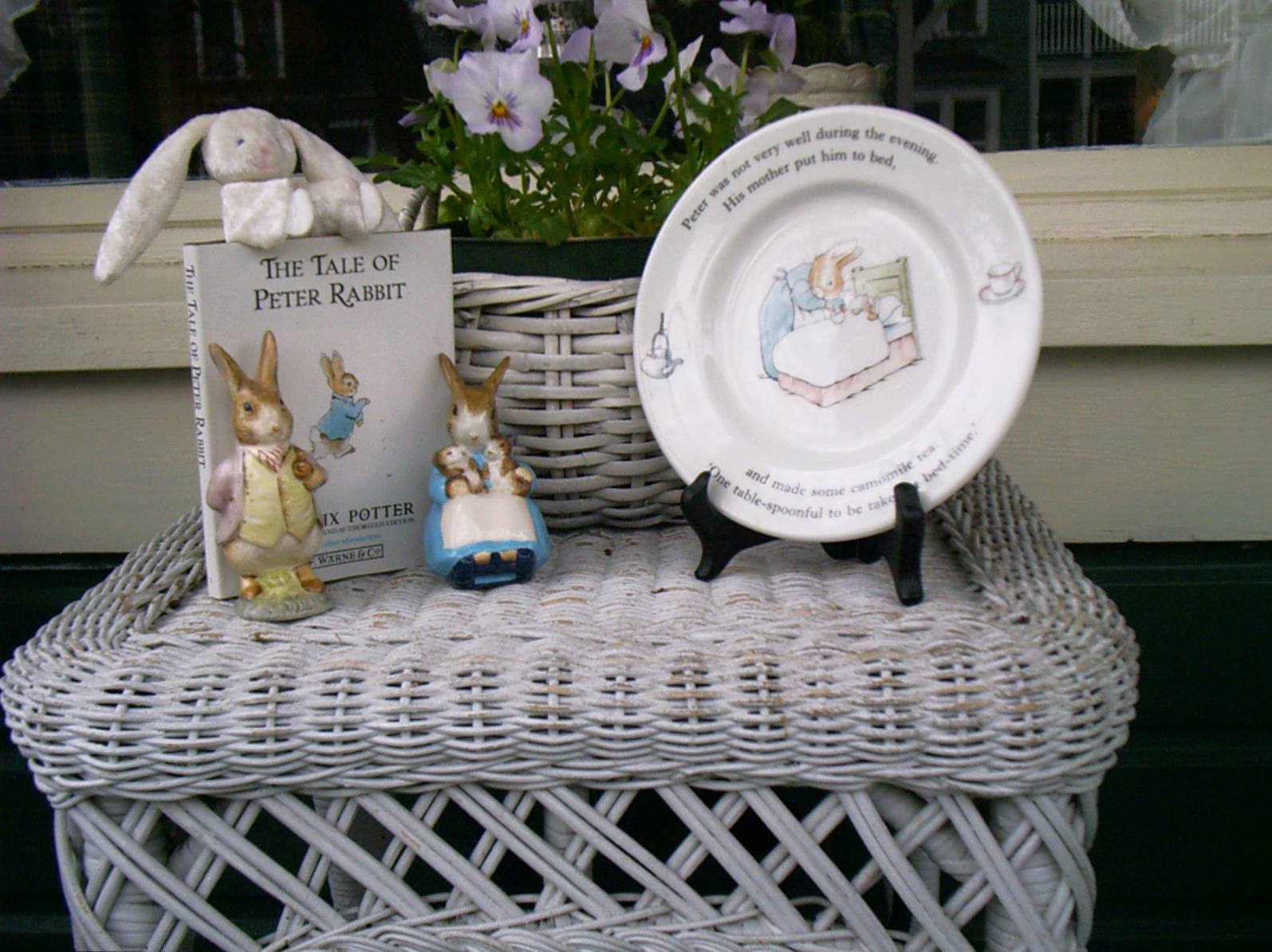 Ash Tree Cottage: Bentley\u0027s Easter Decorations