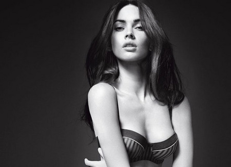 [gallery_main-0112_megan_fox_armani_05.jpg]