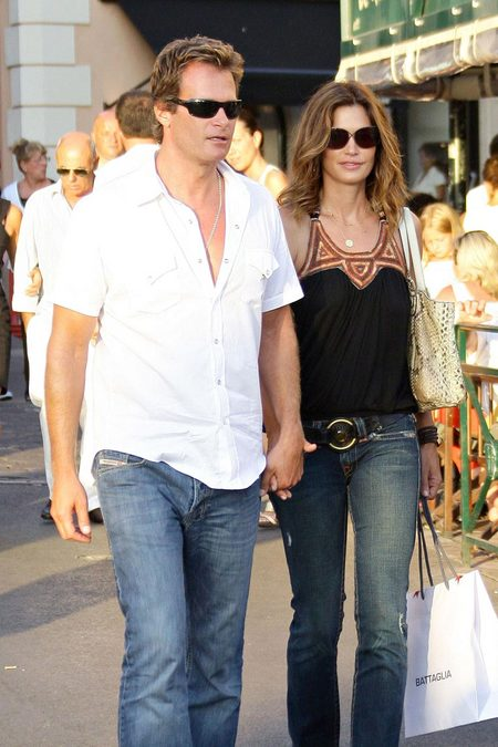 [gallery_main-20090502_cindy_crawford_husband_02.jpg]