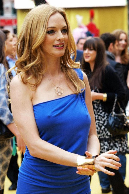 [gallery_main-0610_heather_graham_braless_06.jpg]