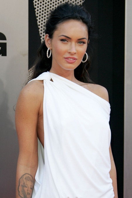[gallery_main-0623_megan_fox_la_02.jpg]