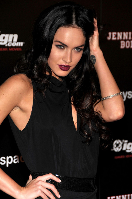 [gallery_main-0724_megan_fox_comiccon_03.jpg]