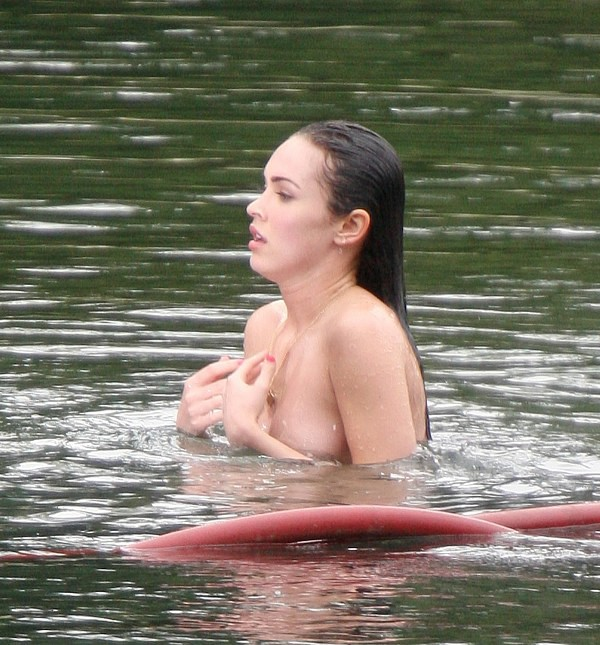[megan-fox-topless-1-22.jpg]