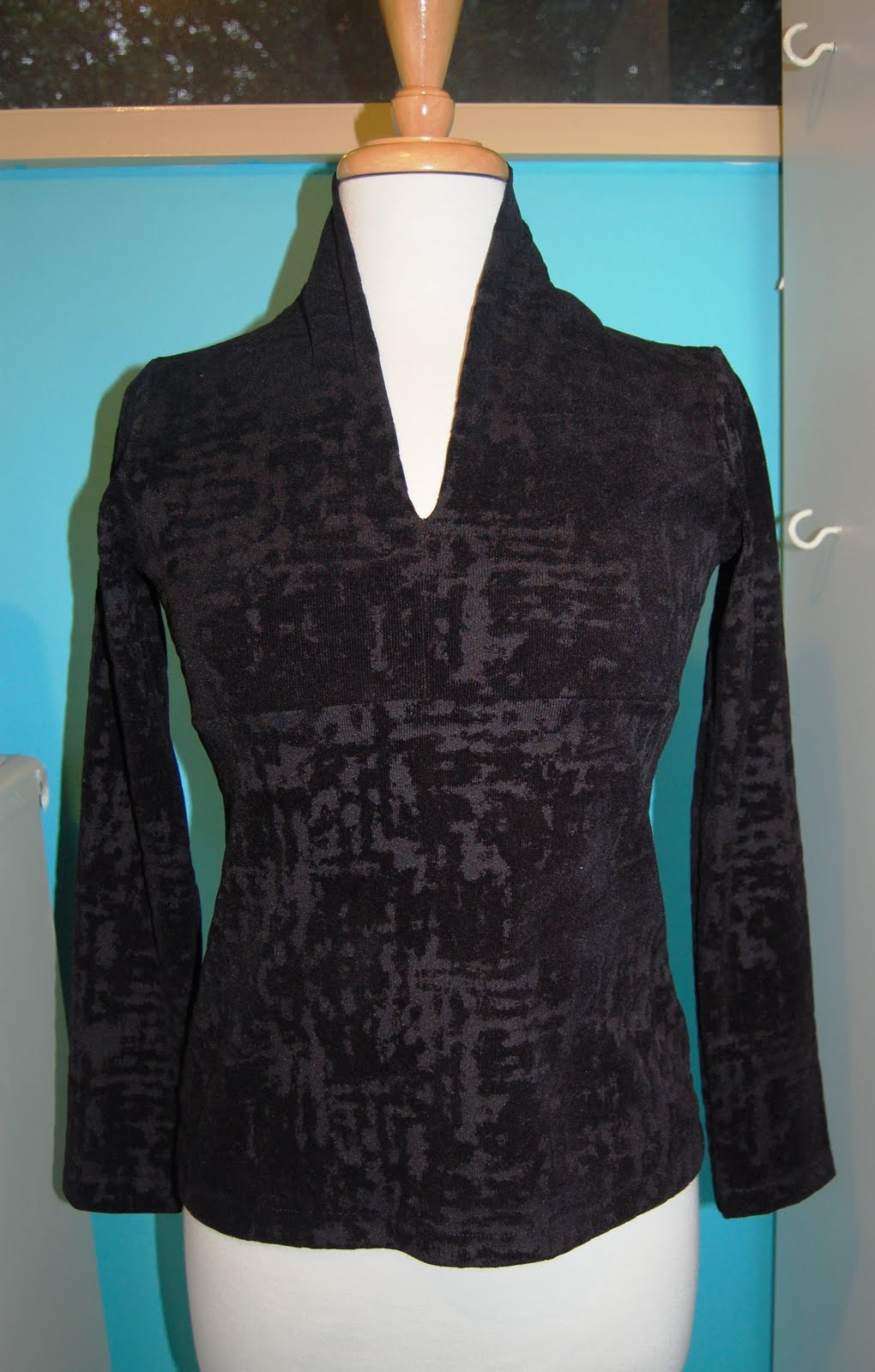 and sew it seams ........: KnitWit Fabrics & Jalie 2682