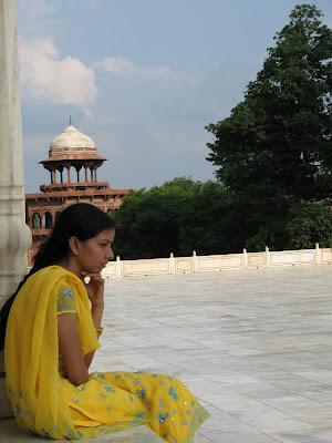 Meditando en el Tah Mahal, Agra