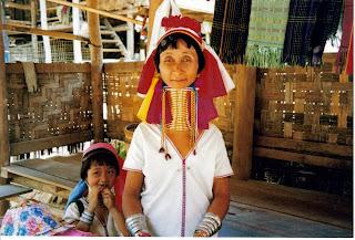 Mujer tejedora, tribu Karen, Mae Hong Son