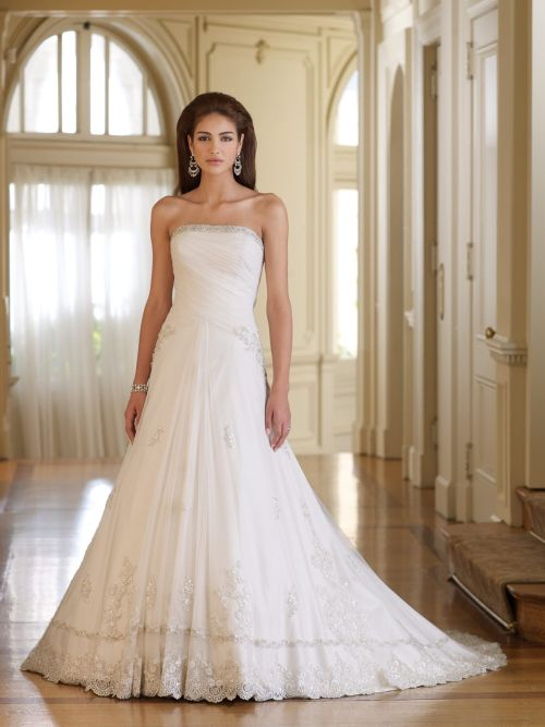 All about women white strapless wedding dress for Wedding dresses not strapless