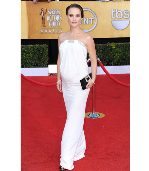 natalie portman white dress in black. The beautiful lack swan,