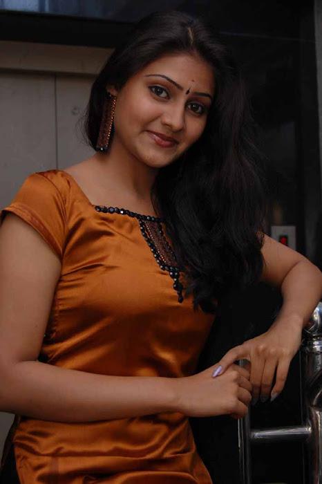 aval peyar thamizharasi nandagi actress pics