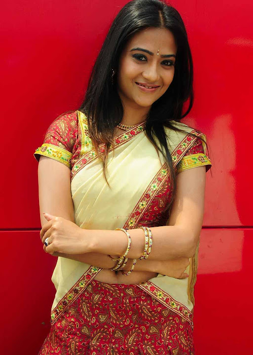 aditi sharma in half saree actress pics