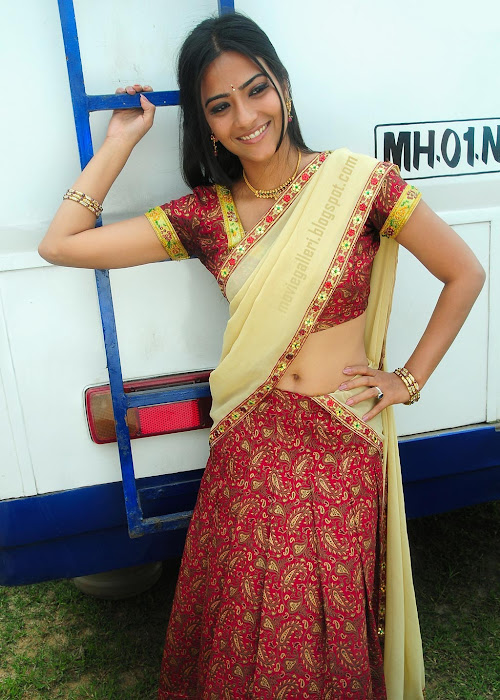 aditi sharma in half saree