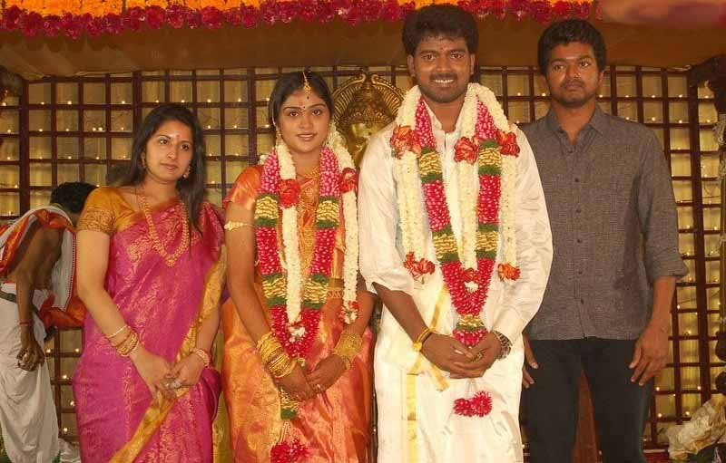 Arya Actor Wedding http://www.zimbio.com/Tamil+Movies/articles/Bub5LR72VJu/Actor+Vijay+Family+Vikranth+Marriage+Stills