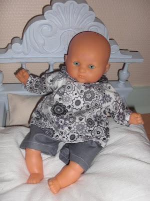 la belette de la marmotte garde robe pour mini b b c lin. Black Bedroom Furniture Sets. Home Design Ideas