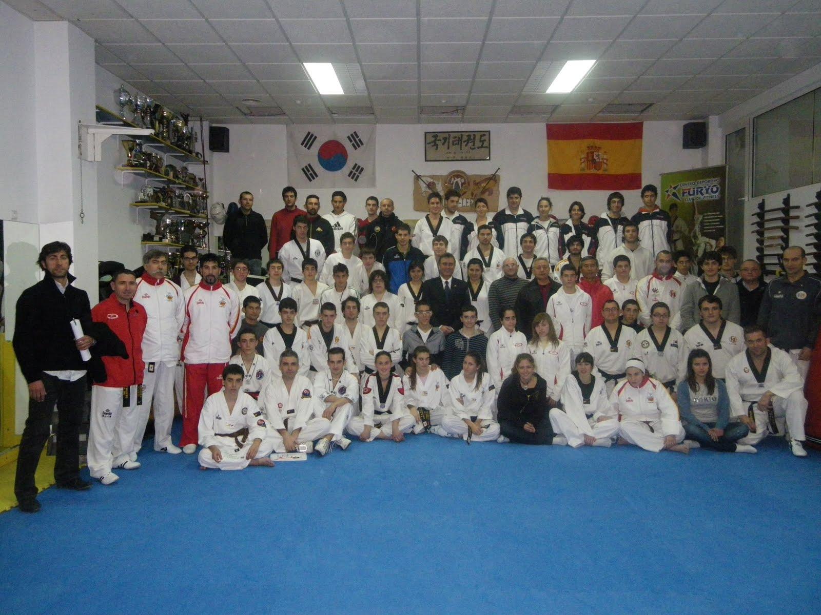 Club taekwondo la safor gand a curso de arbitros for Curso mantenimiento de piscinas comunidad valenciana