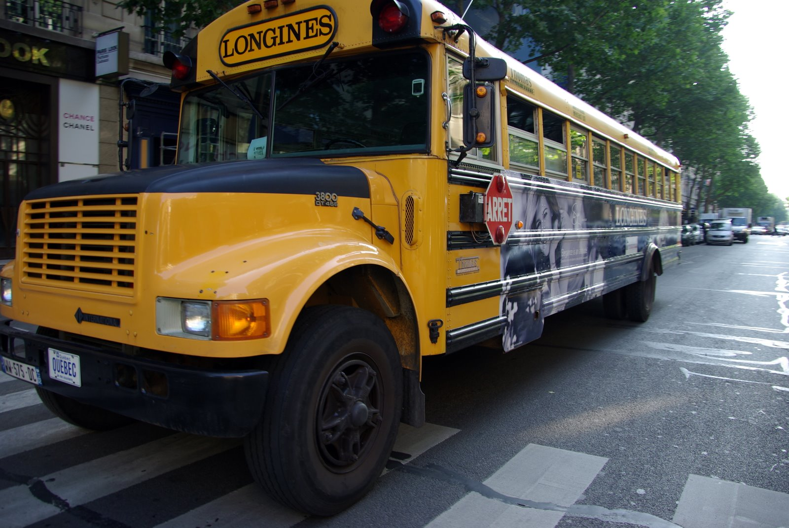 parisdailyphoto a north american school bus in paris. Black Bedroom Furniture Sets. Home Design Ideas