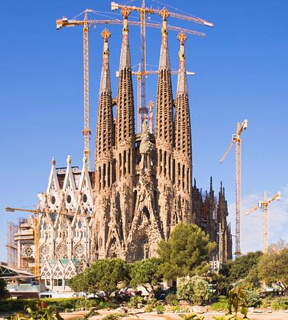 Alentours barcelone la sagrada famiglia la derni re for De la sagrada familia
