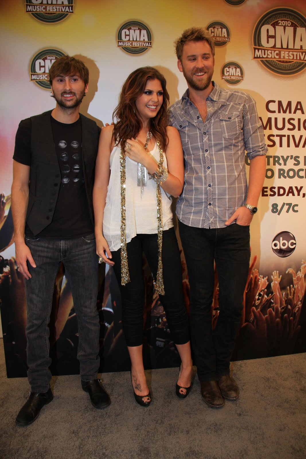 Moments by moser lady antebellum lp field press conference cma lady antebellum lp field press conference cma music festival 2010 m4hsunfo
