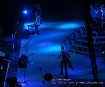 Phil Collen, Rick Savage, & Vivian Campbell - Def Leppard - 2008