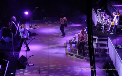 Joe Elliott, Rick Savage, Vivian Campbell, Rick Allen, & Phil Collen - Def Leppard - 2008