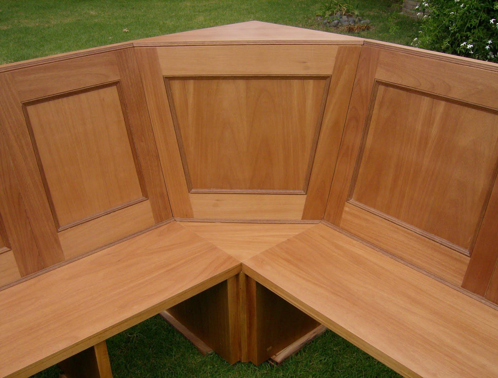 Cluber carpinteria mesa y esquinero enchapado en cedro for Mesa de esquinero