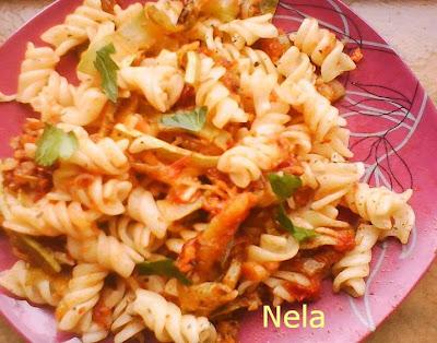 Articole culinare : Sfredelusi cu rosii si busuioc