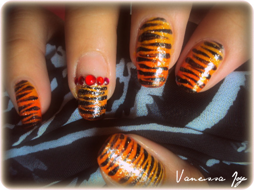 love nails tiger nail design