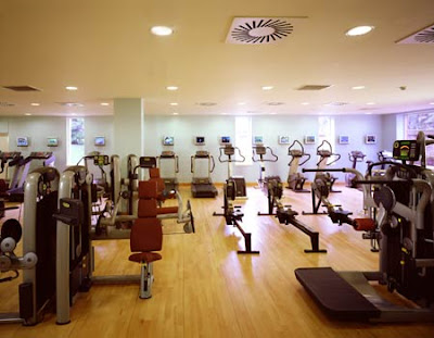 Gimnasio y Piscina Interior Gym