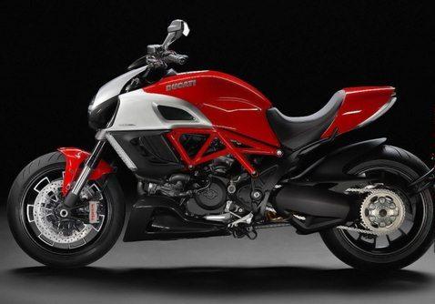 Harley Davidson Motorcycles Today: Nova CB1000r 2011