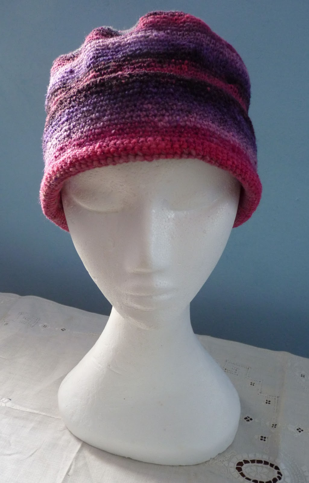 Knitting Patterns For Sock Yarn Hats : The Adventures of the Gingerbread Lady: PATTERN: SiSoYa Hat   Simple Sock Yar...