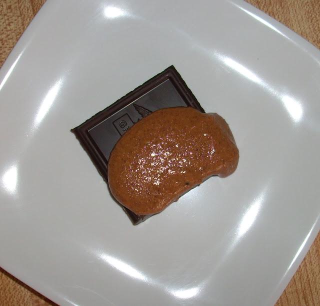 Homemade Almond Butter | www.girlichef.com