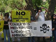 LA COMUNIDAD PROTESTANDO