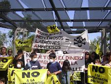 PROTESTA EN PLAZA DE ARMAS POR LA NO CONSTRUCCIÓN DE LA PLANTA DE LIXIVIACIÓN