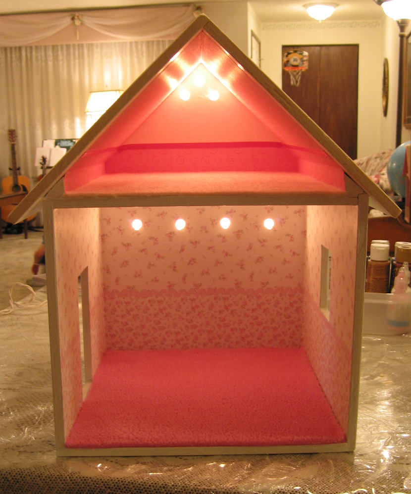 "Dollhouse Decorating!: Another ""studio"" Dollhouse"