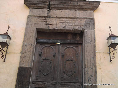 Una puerta de acceso a la ex hacienda la Quemada
