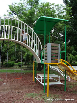 Juegos infantiles en el Parque Liberacin