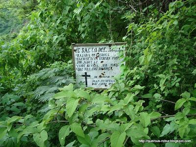 Mensaje preventivo a los visitantes en el Salto del Nogal