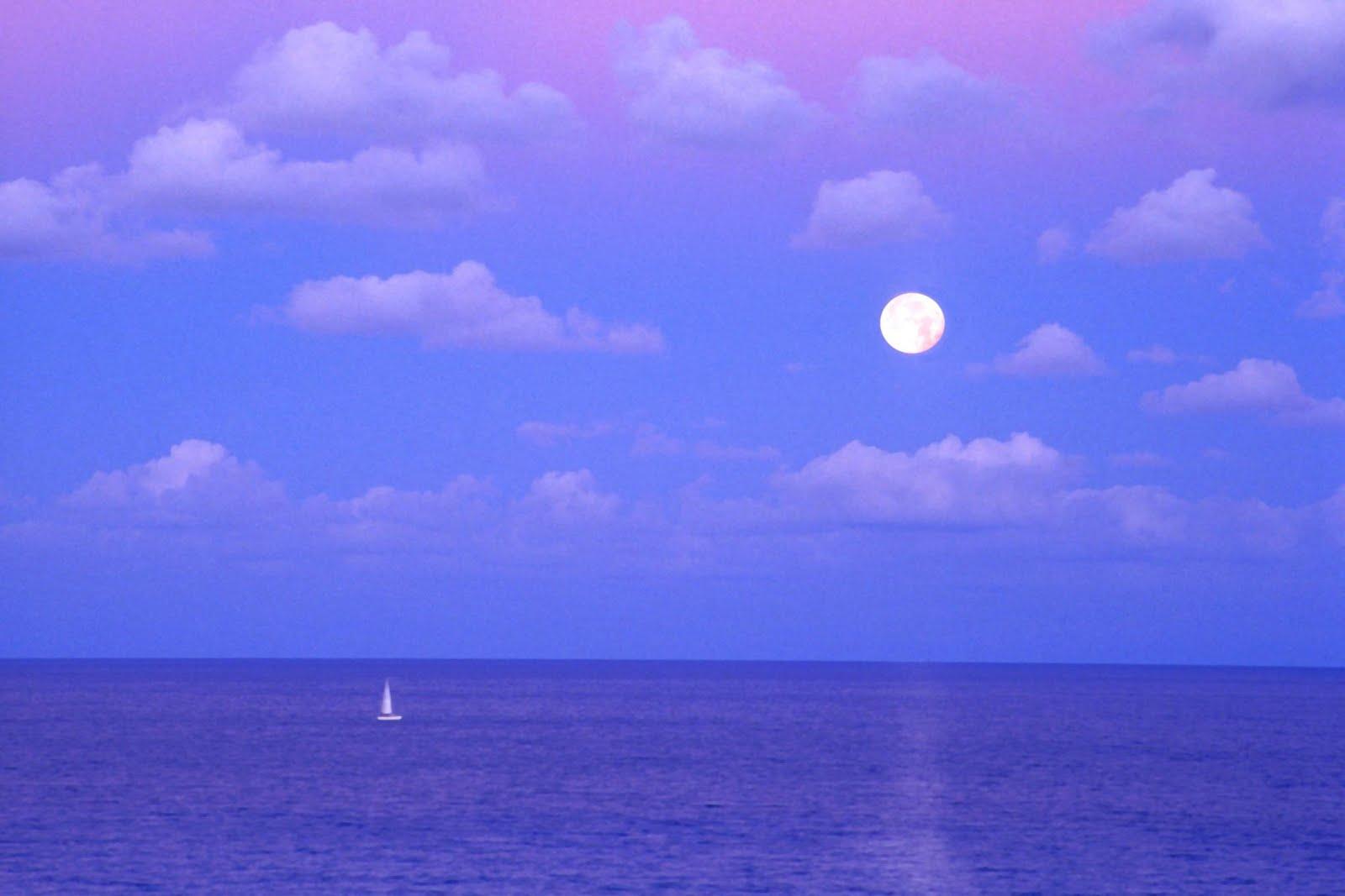 http://2.bp.blogspot.com/_5dxcnrYslUE/SwkP3v1QT5I/AAAAAAAAF1U/zOES_7zUaao/s1600/Enchanted+Moonrise,+Cancun,+Mexico.jpg