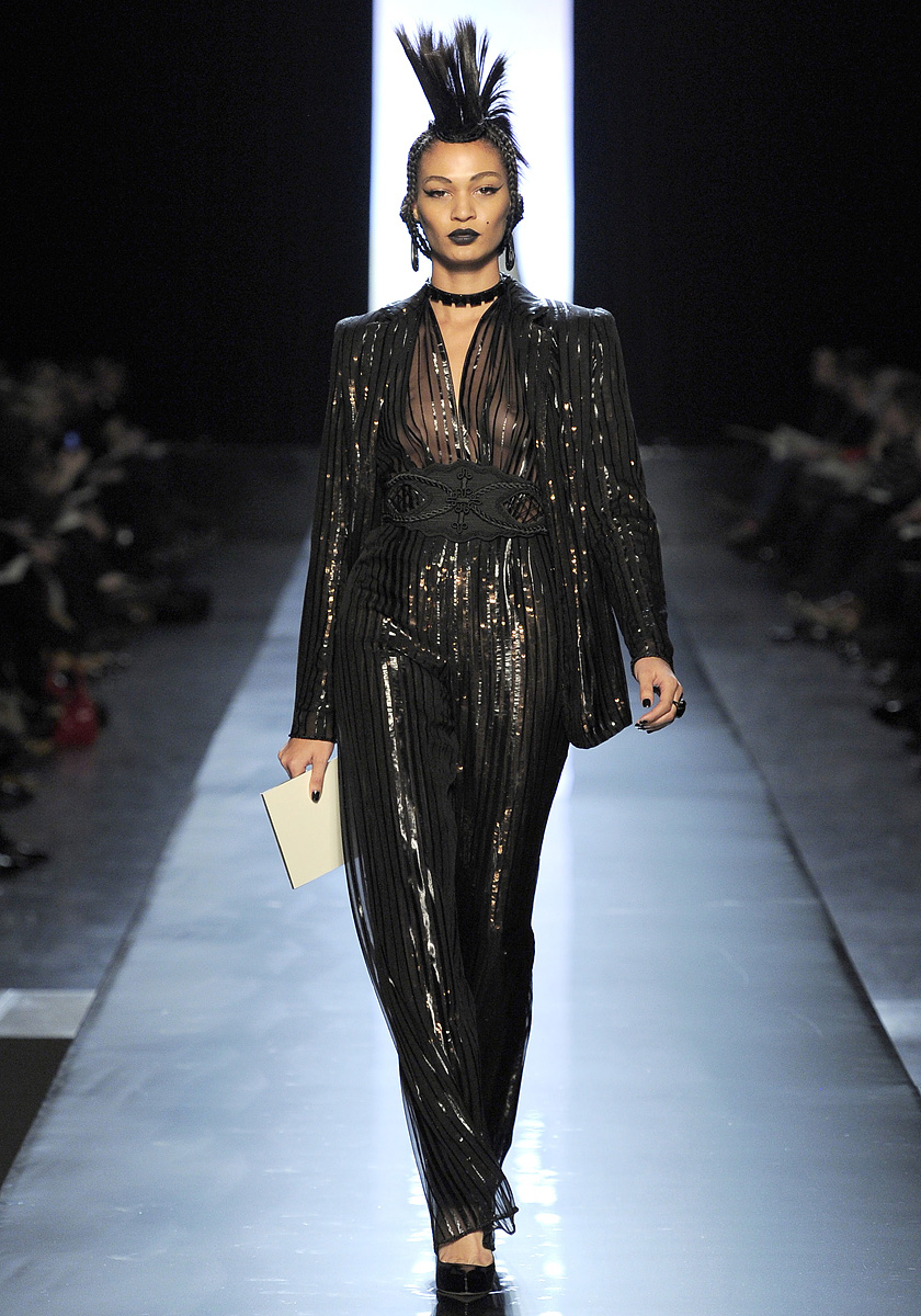 Fashionistas Daily Com Jean Paul Gaultier Spring 2011 Haute Couture Show Where British Punk
