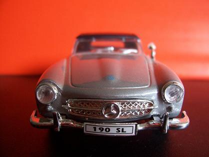 Mercedes Benz 190 SL- Año 1955 (auto a escala, de frente)- JE Rodríguez