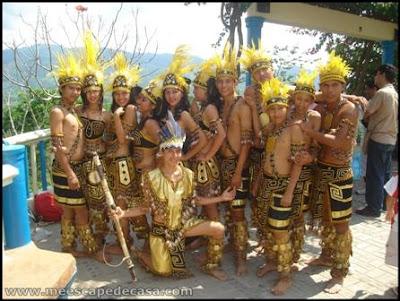 grupo de danza en tahuishco (moyobamba, peru)