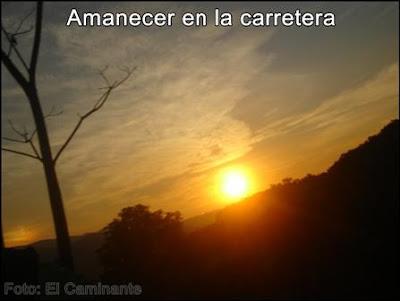 amanecer en la carretera a moyobamba (peru)