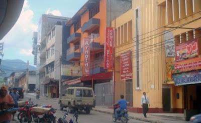Calle de Tarapoto (San Martín, Perú)