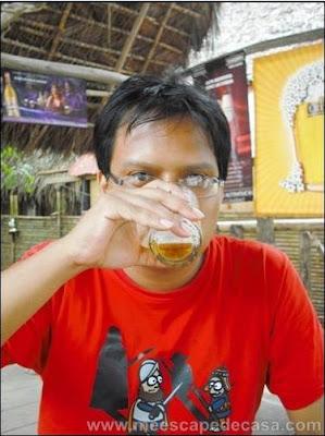 Yo, bebiendo cerveza
