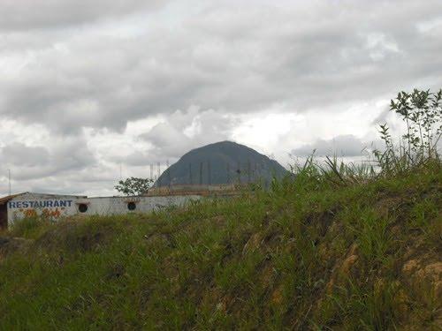 Morro de Calzada (foto tomada desde la carretera)