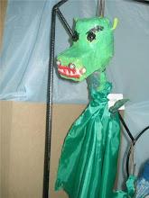 """""""Dragon"""" titere modelado en papel"""