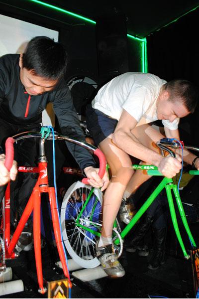 Carreras de bicis en los bares de China